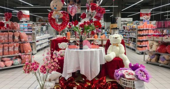 Verkehrssicherungspflicht Supermarkt - Aufstellen von Blumenständern im Kassenbereich