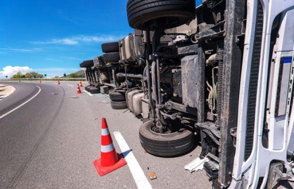Kaskoversicherung - Versicherungsschutz für Kollision zwischen Zugfahrzeug und Anhänger