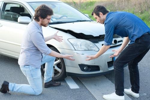 Verkehrsunfall - Zuordnung von Schäden zum Unfallereignis bei bestrittenen Vorschäden