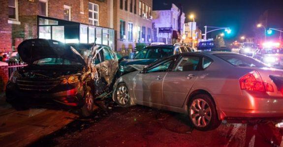 Verkehrsunfall - Unfall im gleichgerichteten Verkehr im Rahmen eines Abbiegevorgangs