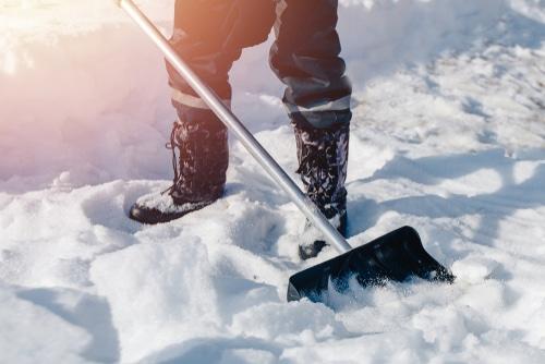 Winterdienstvertrag - Beseitigung von Schnee sowie Schnee- und Eisglätte als Werkvertrag