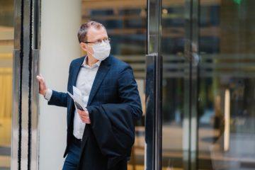 Corona-Pandemie – Tragen eines Mund-Nasen-Schutzes innerhalb eines Dienstgebäudes