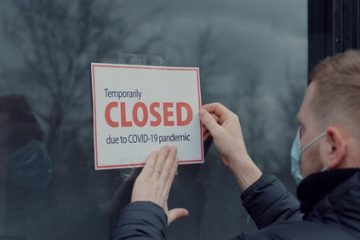 Wegen Corona-Ausbruch angeordnete Betriebsstilllegung – geänderte Umstände – Rechtswidrigkeit
