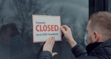 Wegen Corona-Ausbruch angeordnete Betriebsstilllegung - geänderte Umstände - Rechtswidrigkeit