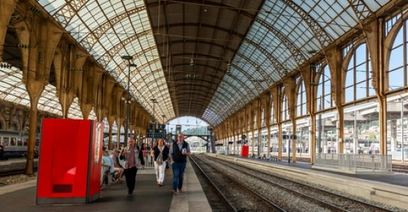 Verkehrssicherungspflicht auf Bahnhof - Bahnsteigkante