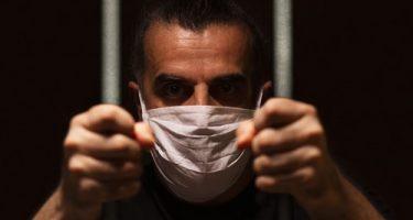 Corona-Pandemie - Tragen eines Mund- und Nasenschutzes in einer Justizvollzugsanstalt