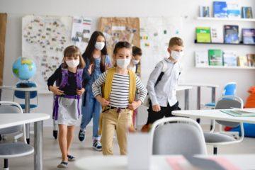 Tragen von Mund-Nasen-Bedeckung in Schulen – Zulässigkeit