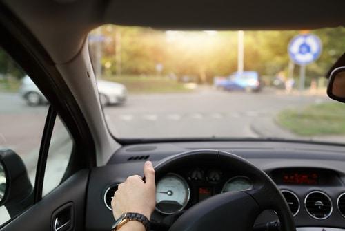 Verkehrsunfall - Haftungsverteilung bei Kollision am Kreisverkehr
