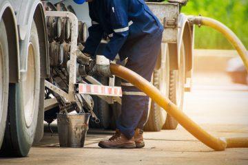 Heizöllieferung – Pflichten eines Tankwagenfahrers beim Befüllen eines Heizöltanks