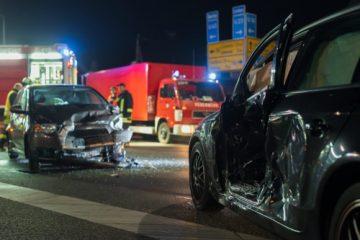 Verkehrsunfall – Mithaftung des Vorfahrtberechtigten bei halber Vorfahrt