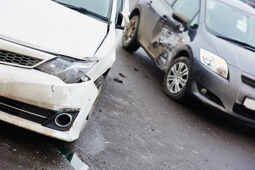 Verkehrsunfall - Kollision in einer Engstelle - Haftung