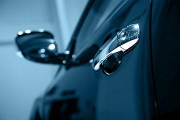 Sicherstellung eines verschlossenen Fahrzeugs bei geöffnetem Fenster durch Polizei