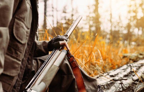 Verschuldenshaftung bei Verletzung eines anderen Jägers durch einen abgeprallten Schuss