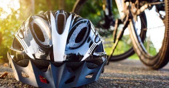 Verkehrsunfall - Nichttragen Fahrradhelm als Mitverschulden bei Alltagsradverkehr