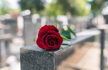 Totenfürsorge - Umbettung eines Verstorbenen