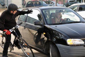 Verkehrsunfall –zwischen Kraftfahrzeug und Radfahrer – Mitverschulden des geschädigten Radfahrers