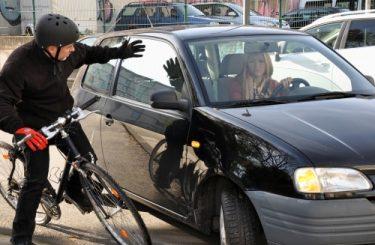 Verkehrsunfall –zwischen Kraftfahrzeug und Radfahrer - Mitverschulden des geschädigten Radfahrers