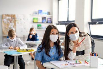 Pflicht zum Tragen eines Mund-Nasen-Bedeckungsschutzes im Schulunterricht – Coronavirus