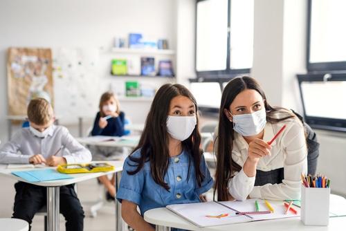 Pflicht zum Tragen eines Mund-Nasen-Bedeckungsschutzes im Schulunterricht - Coronavirus