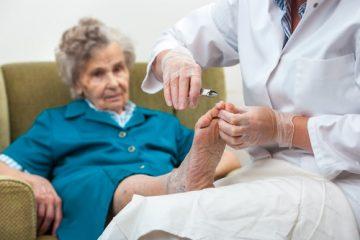 Hausverbot für Fußpfleger im Altenheim – Interessen- und Grundrechtsabwägung