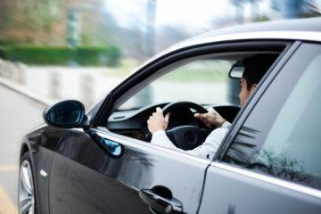 Unfall – rückwärts aus gegenüberliegenden Parkbuchten ausgeparkt – Sorgfaltsanforderungen
