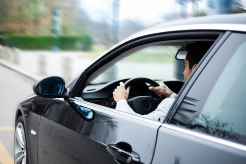 Unfall – rückwärts aus gegenüberliegenden Parkbuchten ausgeparkt - Sorgfaltsanforderungen