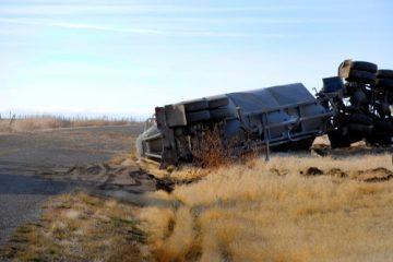 Verkehrsunfall – landwirtschaftliches Fahrzeug mit Überbreite im Verhältnis zu Pkw-Fahrer