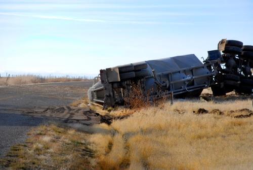 Verkehrsunfall - landwirtschaftliches Fahrzeug mit Überbreite im Verhältnis zu Pkw-Fahrer
