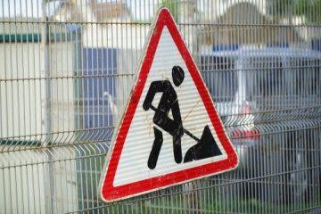 Verkehrssicherungspflichtverletzung – unzureichende Gefahrbeseitigung – Fehlen von Warnschildern