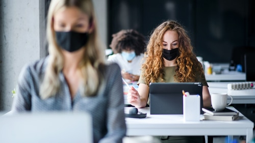 Corona-Pandemie - Mindestabstand für Sprachschulen