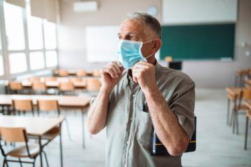 Corona-Pandemie – Befreiung eines Lehrers vom Präsenzunterricht