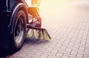 Verkehrssicherungspflicht - Reinigung einer selbst verschmutzten öffentlichen Straße