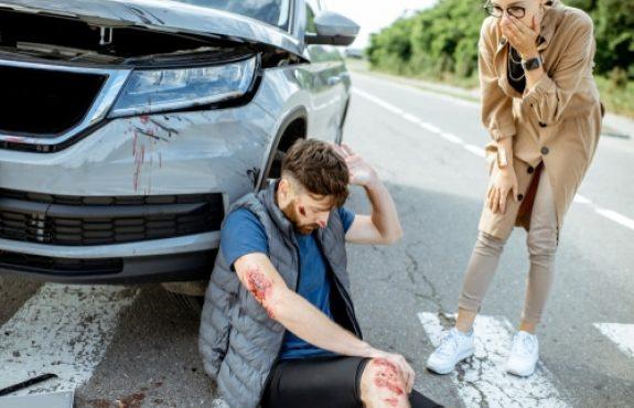 Verkehrsunfall mit Personenschaden - Schmerzensgeldanspruch bei HWS- und BWS-Distorsion