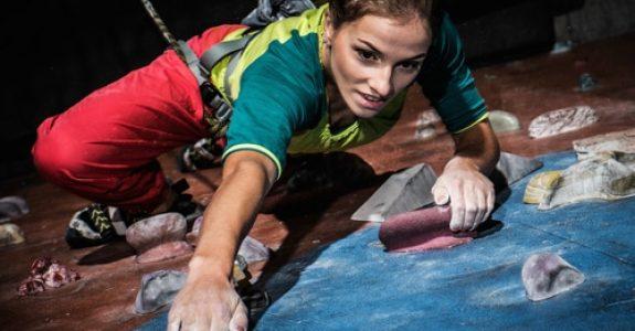 Kletterunfall an Kletterfelsen - Haftung eines Kletterers bei einem Sturz auf den Sichernden