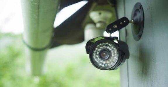 Anspruch eines Grundstücksnachbarn auf Entfernung einer Videokamera