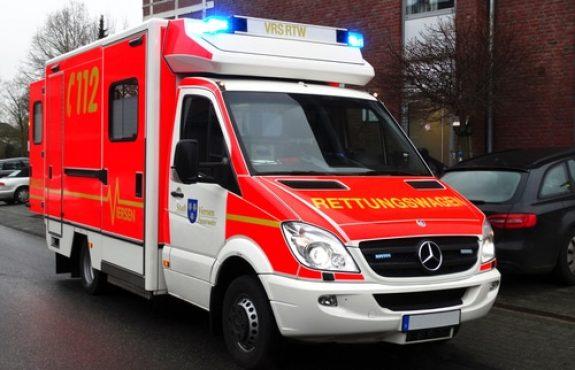 Verkehrsunfallhaftung - Umsetzen eines den Weg versperrenden Rettungswagens
