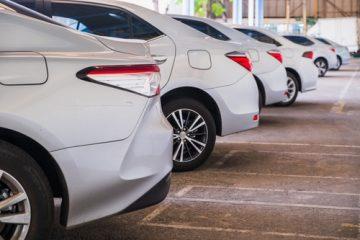 Autovermietungshaftung – Hinweisunterlassung auf Ausstattung des Fahrzeugs mit Sommerreifen