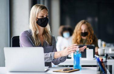Corona Abstandsregeln - Einsatz als Greeter bei Hygienemaßnahmen