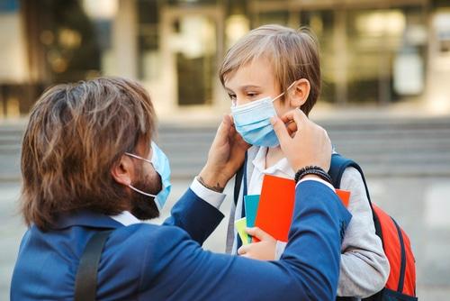 Corona-Pandemie - Ausschluss eines Schülers wegen manipulierter Mund-Nase-Maske