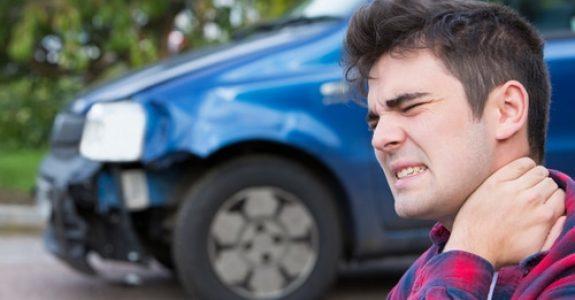 Verkehrsunfall - Schmerzensgeld für leichtes HWS-Trauma
