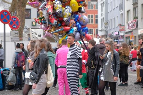 Verkehrsunfall mit Fußgänger an Karneval