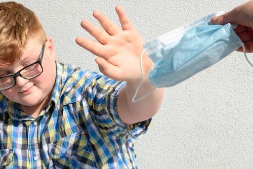 Ausschluss von schulischen Nutzung wegen Weigerung eine Alltagsmaske zu tragen