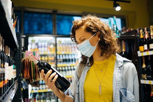 Corona-Pandemie - Alkoholverbot im öffentlichen Raum vorläufig außer Vollzug