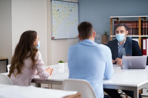 Corona-Pandemie - Ablehnung eines Terminsverlegungsantrags