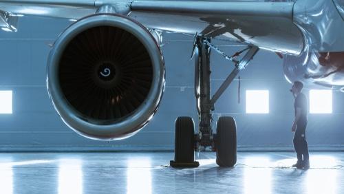 Ausgleichszahlung bei Flugverspätung wegen Reifendefekt eines vorangegangenen Flugzeugs