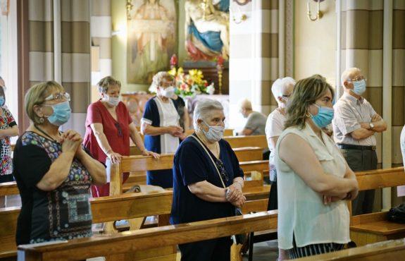 Corona-Pandemie - Gesangsverbot für Besucher von Gottesdiensten
