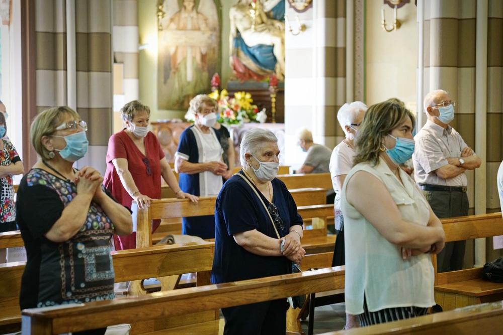 Corona-Pandemie – Gesangsverbot für Besucher von Gottesdiensten