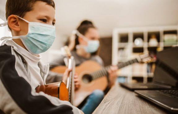 Corona-Pandemie - Untersagung von Einzelmusikunterricht unzulässig