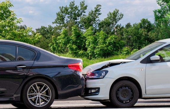 Verkehrsunfall im Ausland zwischen Personen mit Aufenthaltsort in Deutschland