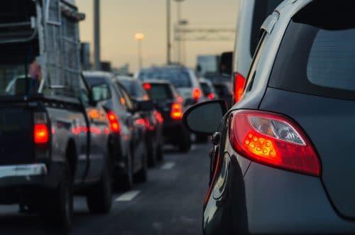Verkehrsunfall beim Einfädeln in den fließenden Verkehr - Haftung